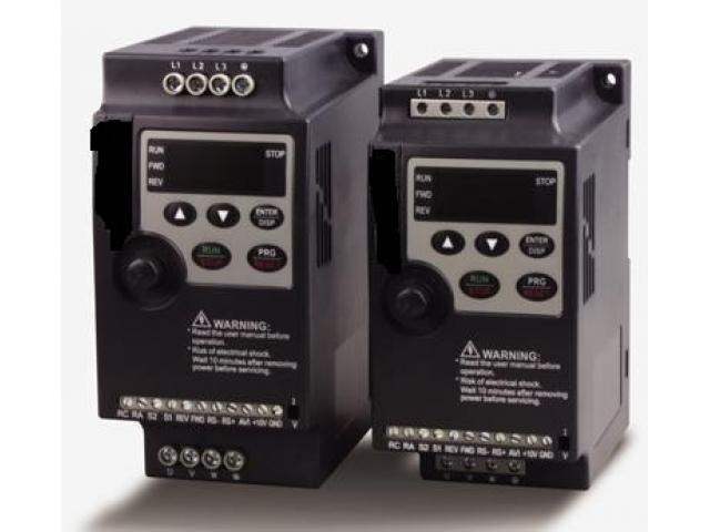 Convertizor de frecventa monofazat 2.2kW/400Hz/3x230V