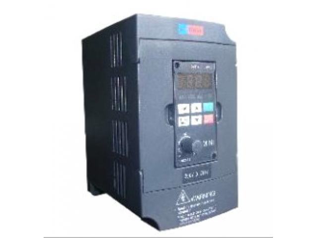 Convertizor de frecventa pentru motoare trifazate 1.5kW/3X400V/400Hz